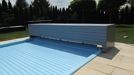Swimming pool roller shutters manufacturer 01